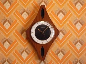 ユンハンス 木製ウォールクロック エレクトロニック
