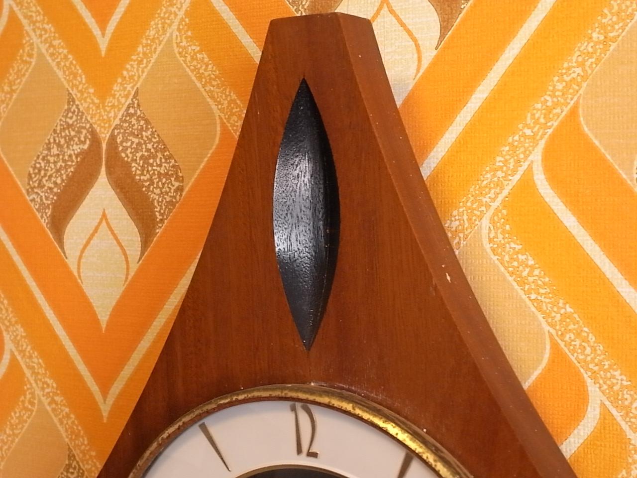 ユンハンス 木製ウォールクロック エレクトロニックの写真3枚目