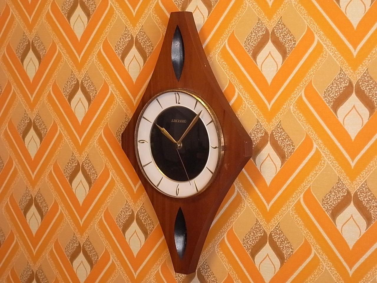 ユンハンス 木製ウォールクロック エレクトロニックの写真4枚目