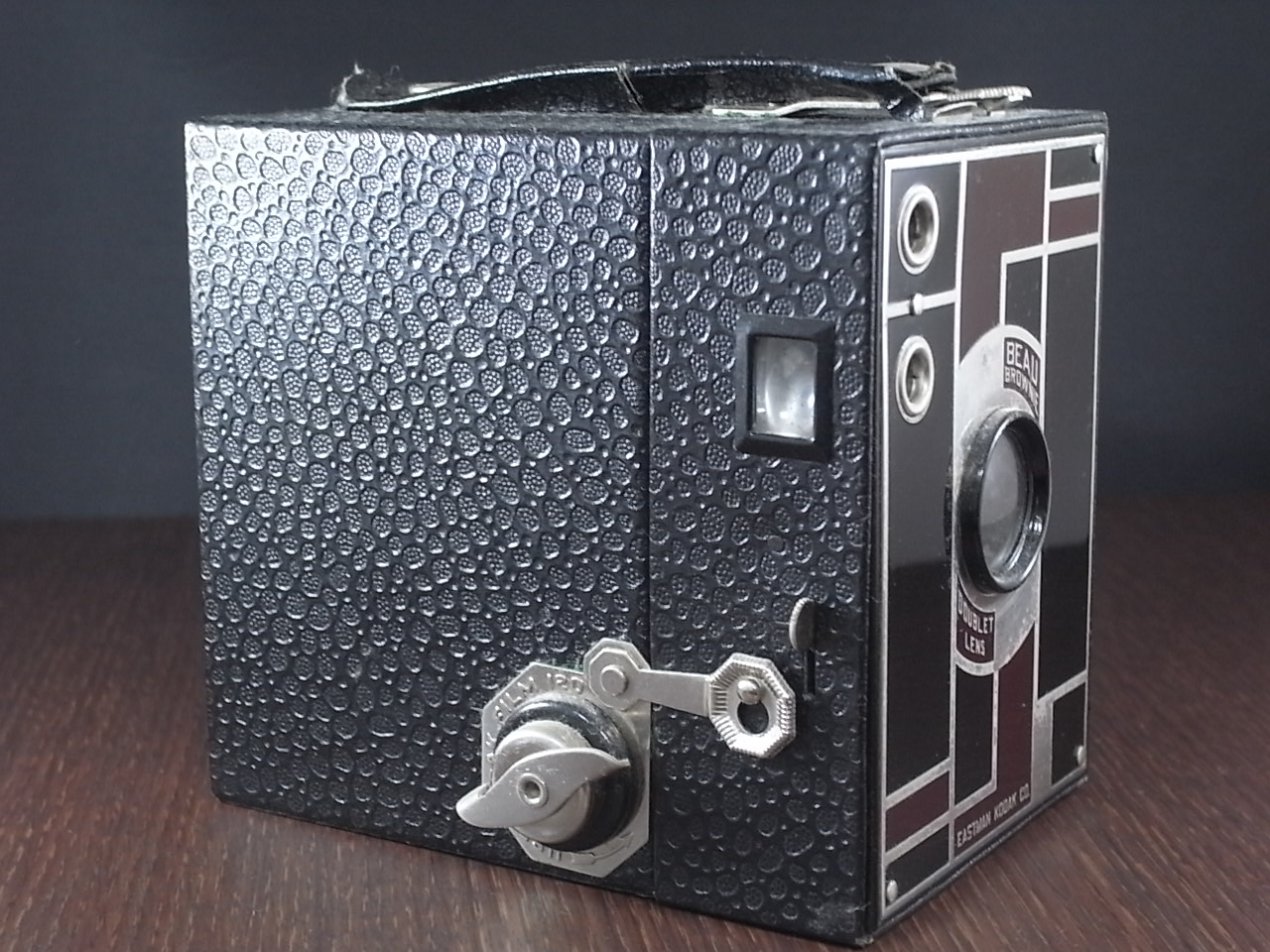 コダック No.2 ブローニー アールデコカメラ ブラックの写真2枚目