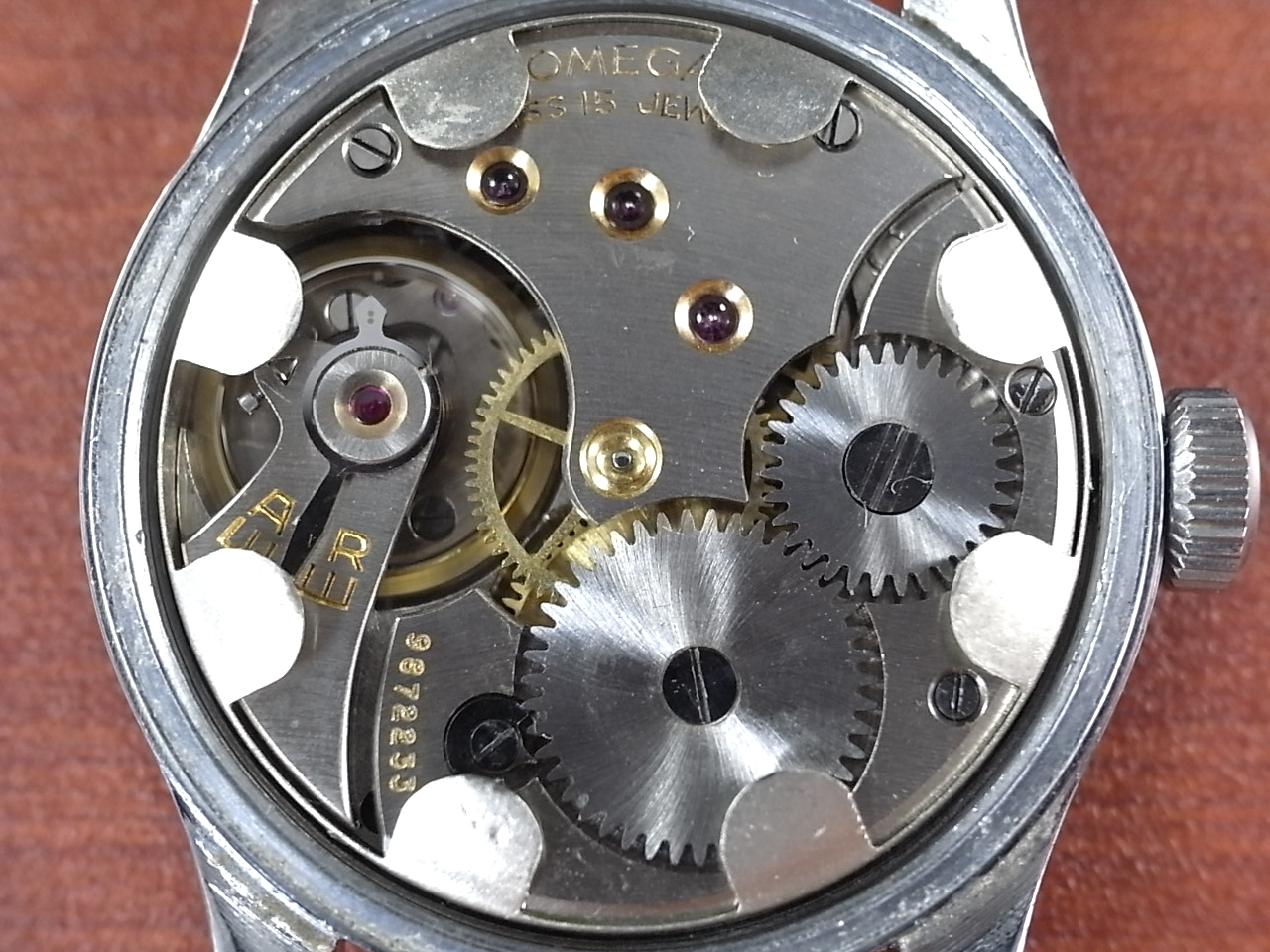 オメガ ボーイズ Cal.26.5 T3 スモールセコンド スクリューバック 1940年製の写真5枚目