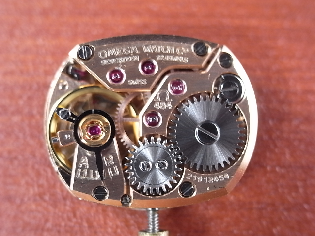オメガ レディース 18KYG カットガラス ブレスレット 1960年代の写真5枚目