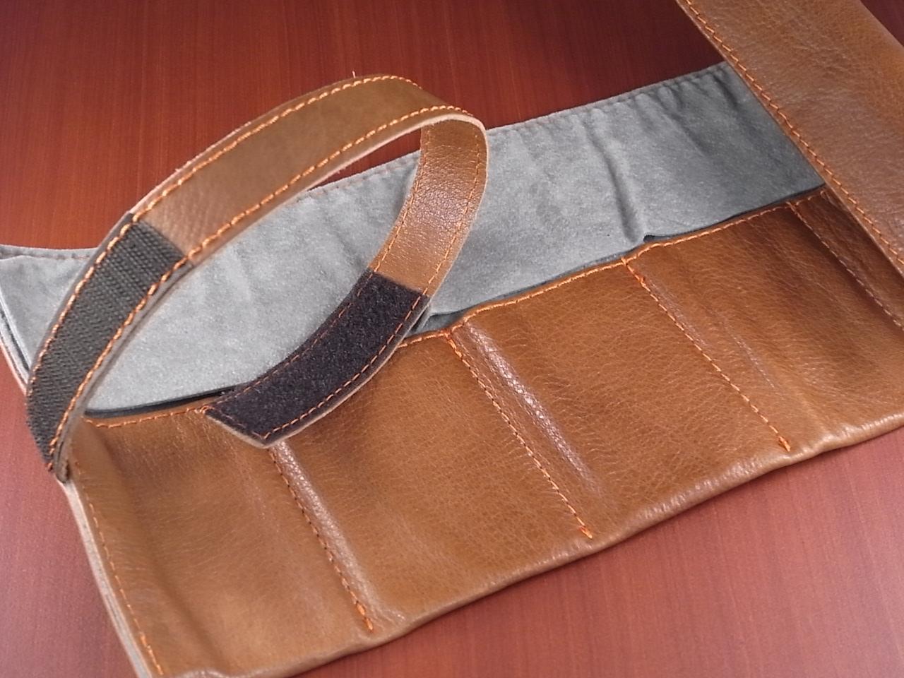 本革時計ケース 携帯タイプ 6本用 イタリア製 金茶 オレンジステッチの写真2枚目