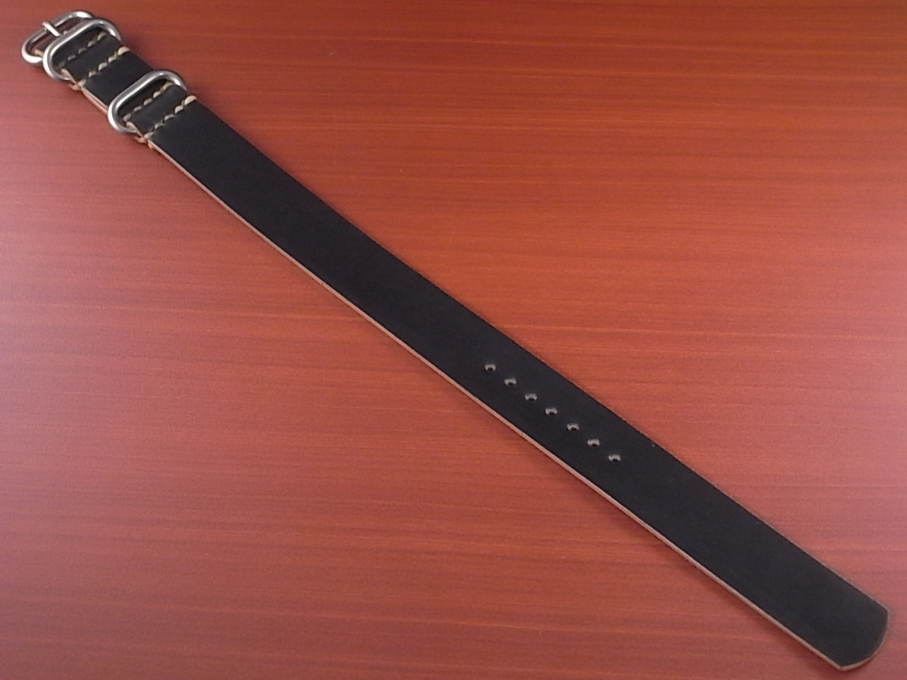 ホーウィン コードバン 引き通し革ベルト ブラック 17~24mm 受注生産のメイン写真