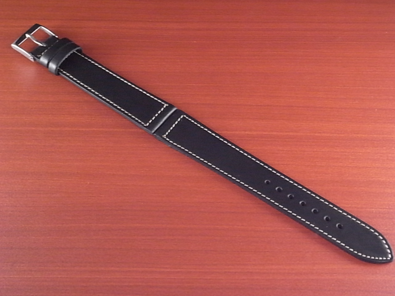 ホーウィン クロムエクセル レギュラー ブラック 16、17、18、19、20mmのメイン写真