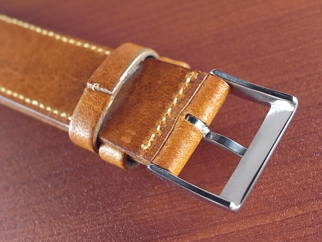 艶ありヌメ牛ステア 革ベルト ウィスキー 16mm CC-030aの写真4枚目