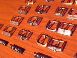 ヴィンテージ尾錠 各種取り扱っております。