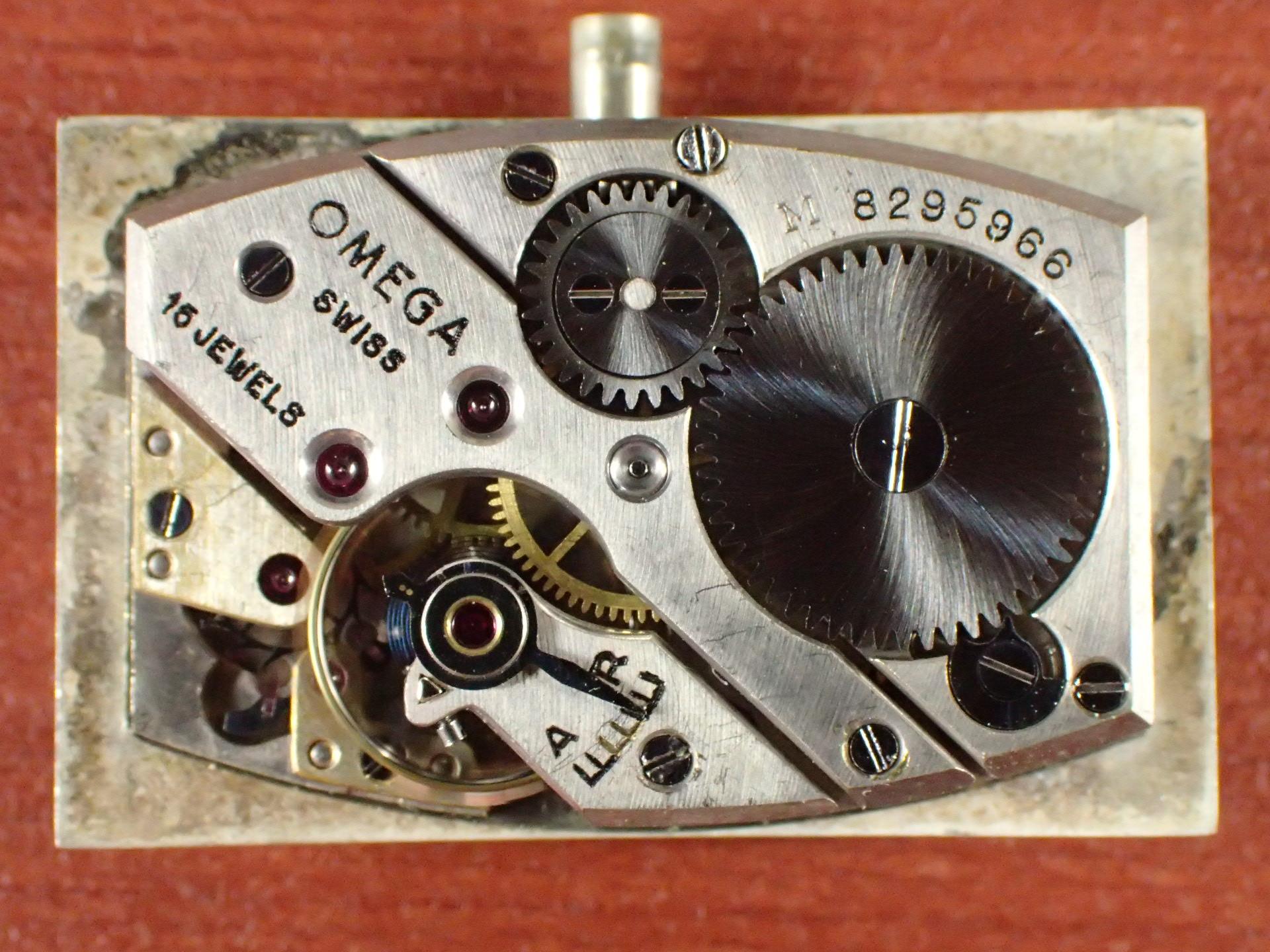 オメガ レクタンギュラー デコダイアル キャリバーT17 1930年代の写真5枚目