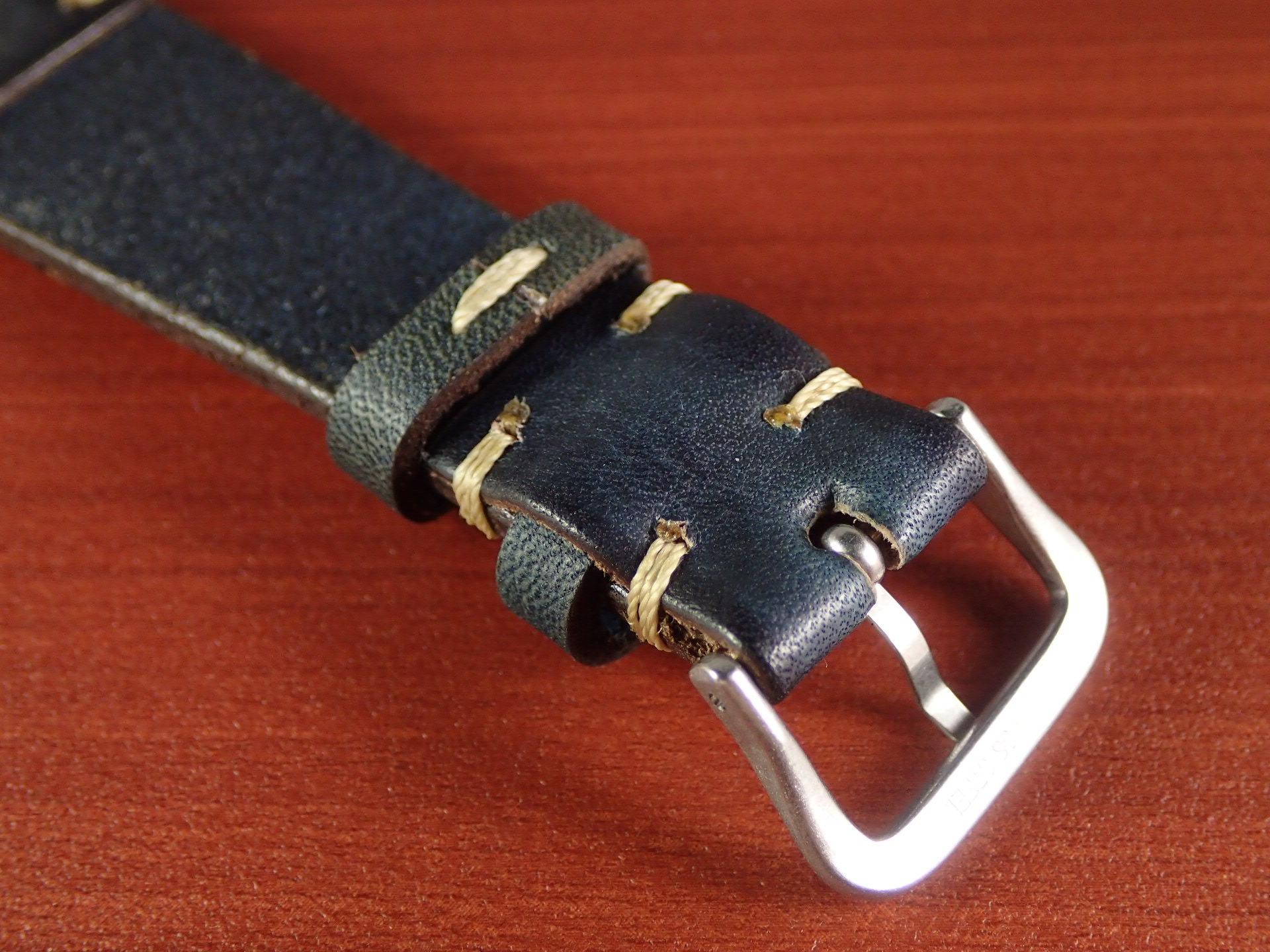 C × V 牛ヌメ革ベルト レギュラー インディゴ 18、20mmの写真4枚目