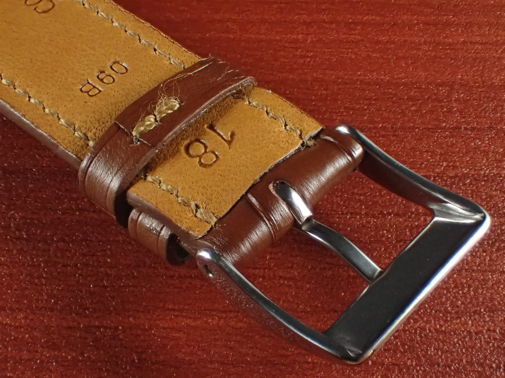 ジャン・クロード ペラン革ベルト クロコダイル ライトブラウン 18mmの写真4枚目