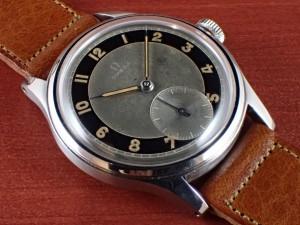 オメガ スベラン 30mmキャリバー ブルズアイ ブラック/グレー 1940年代