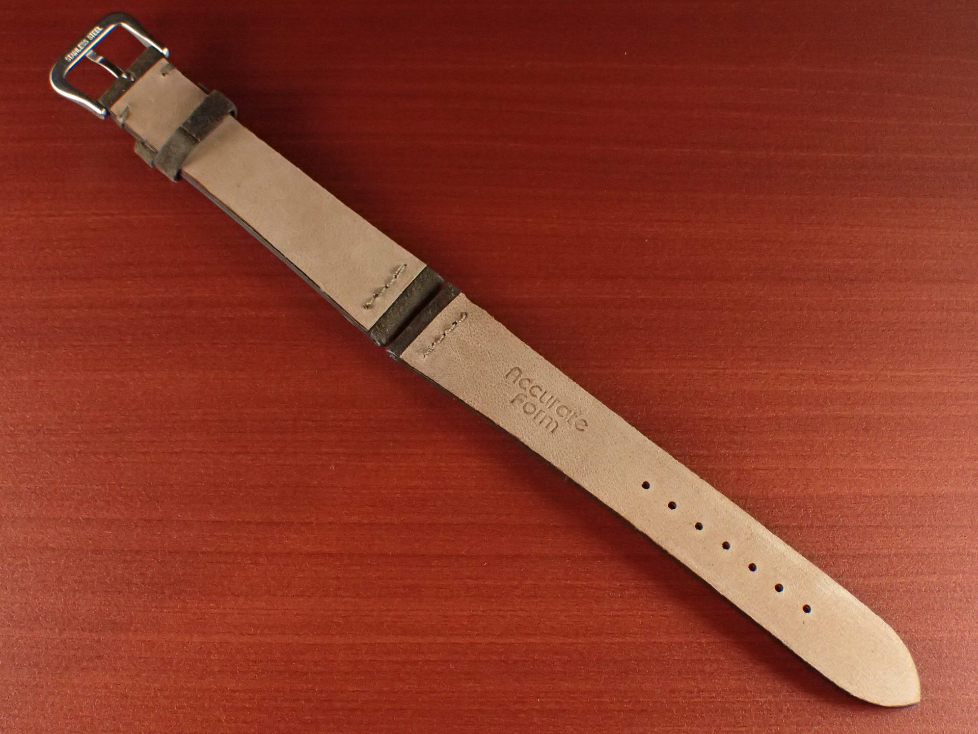 スウェード革ベルト チャールズ・F・ステッド クードゥー 一文字ステッチ ダークブラウン 18、19、20mmの写真2枚目